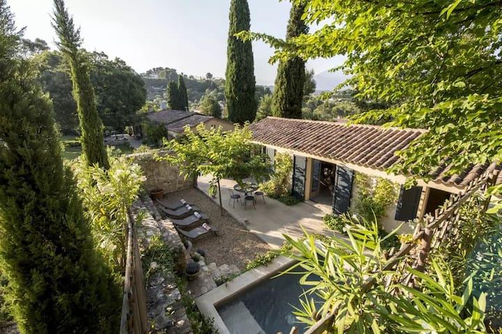 Provençal country escape - villa - dipping pool
