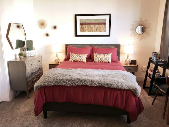 NEW luxury townhome, ❤️of Denver, private & quiet