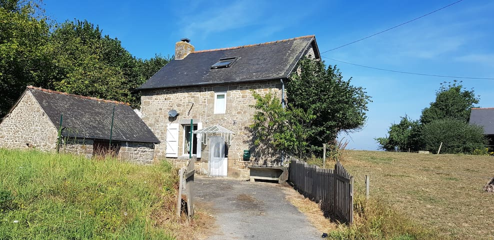 FRANCE COUNTRY STONE COUNTRY COTTAGE nr Fougeres
