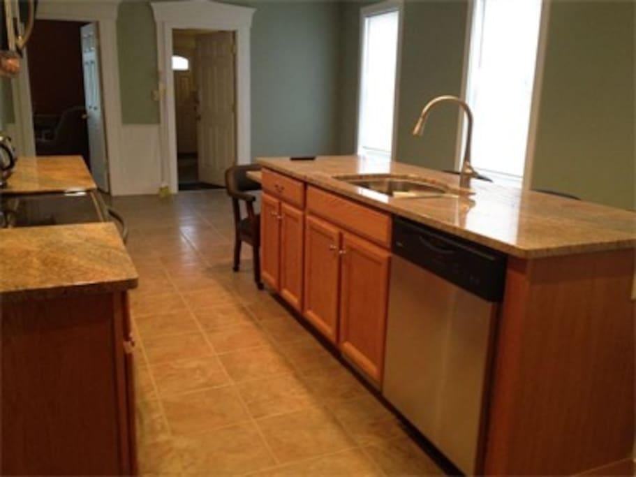 Kitchen / dining area.