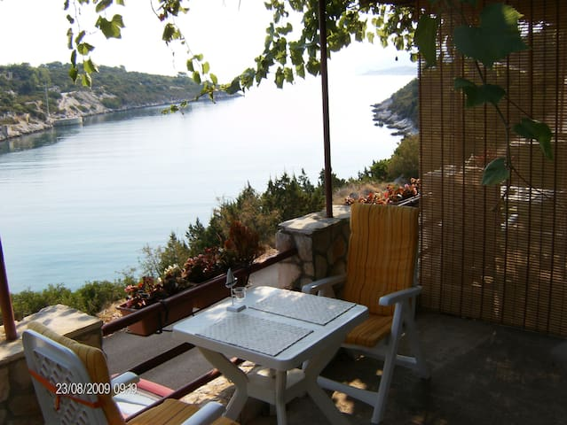 Little nest on VIS island-orange ap - Vis - Departamento
