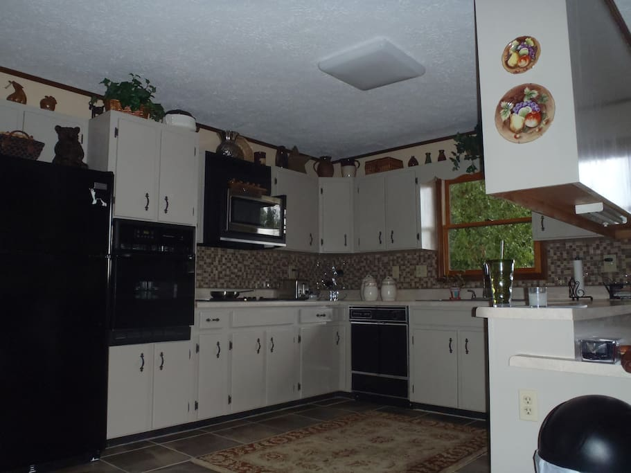 Shared kitchen fully equipped