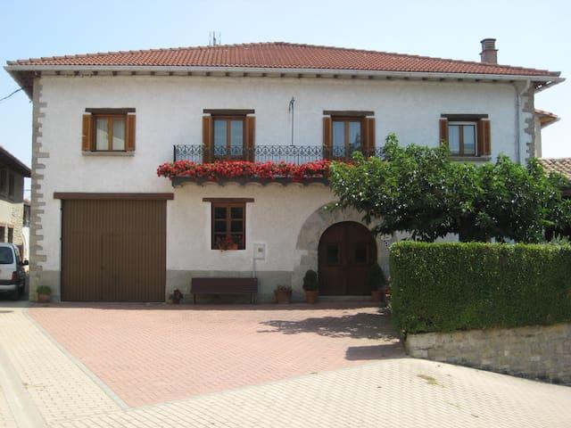 Casa rural Zurginenekoa l, idioma español