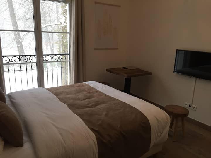 """Studio / résidence et spa """"la cour du château"""""""