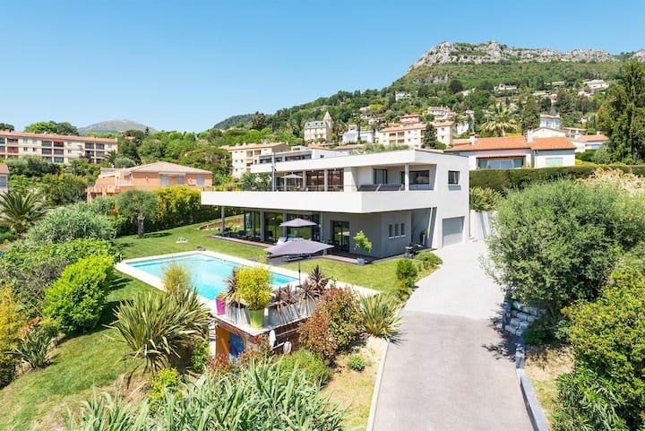 Elegant Catered Villa In The Heart Of Vence