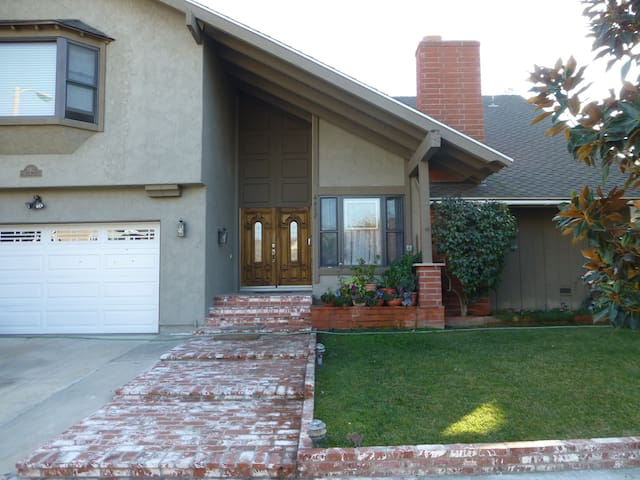 Beautiful home:4 bed,2 bath - Cypress - Dom