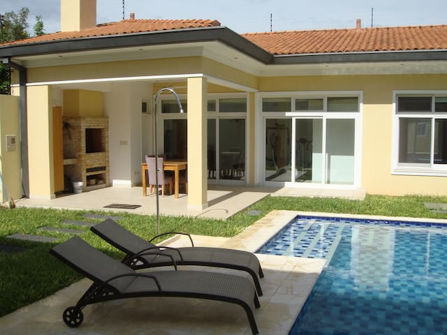 70 sqm House with Pool & BBQ - Asuncion - Leilighet