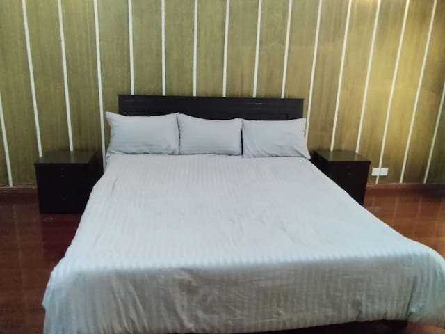 Extra large Master Bedroom in Bahria Town