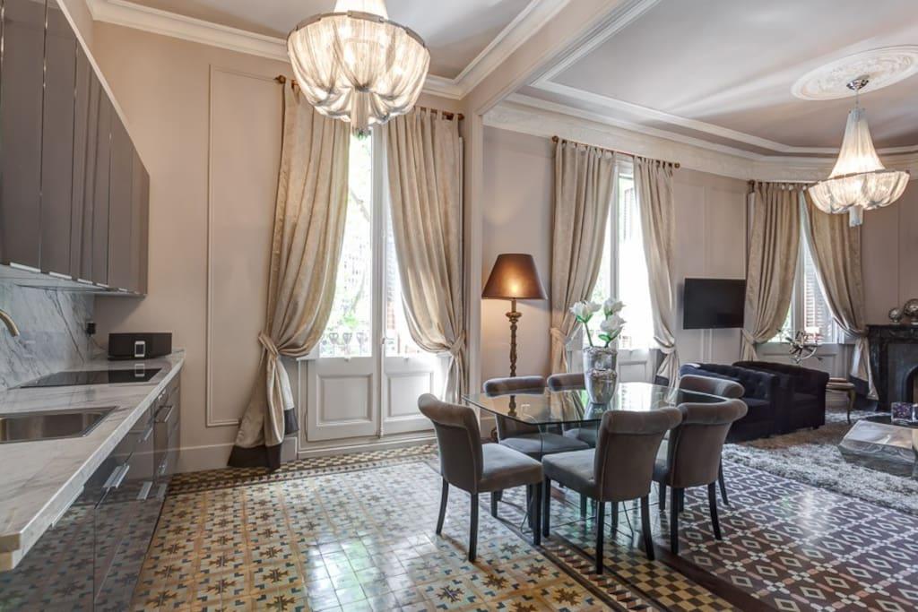 Amazing center luxury apartment 1