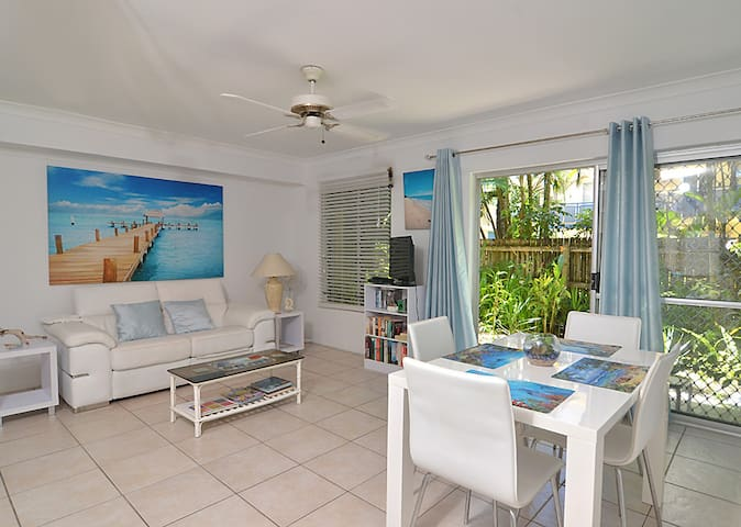 Castaways 2 - Port Douglas - Apartment