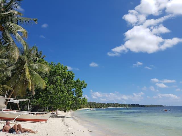 Yayay villa 4..1min to beach,TV&WIFI