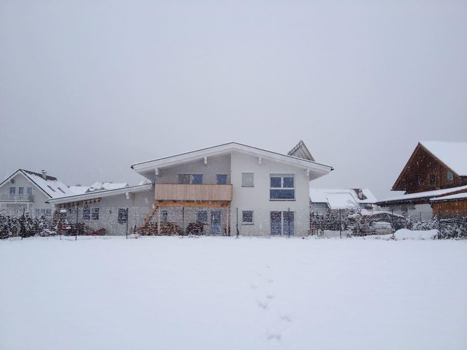 Haus im Winter;)