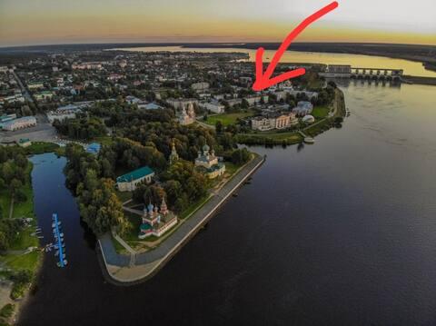 В самом центре Углича, уютная и солнечная квартира