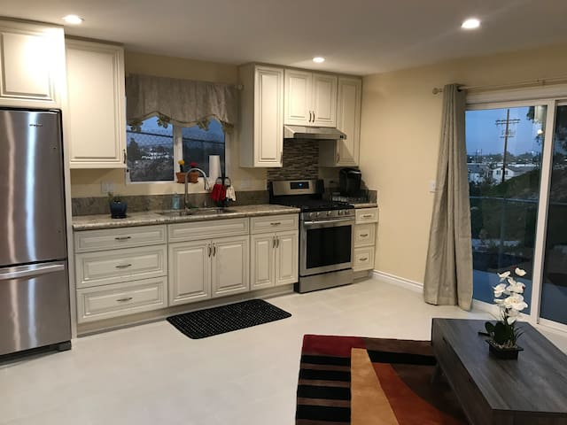The Viewpoint (Brand New 1 Bed 1 Bath Home)