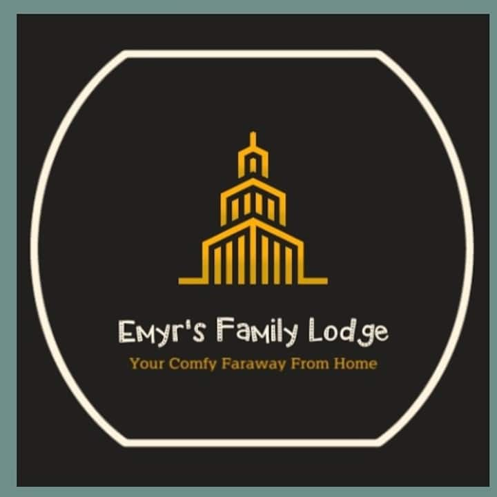 #Emyr's Family Lodge@BSB Village - Ungaran Hill
