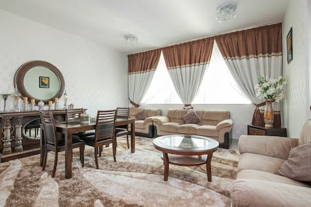 luxury 2 b\r apartment in Marina - Dubai