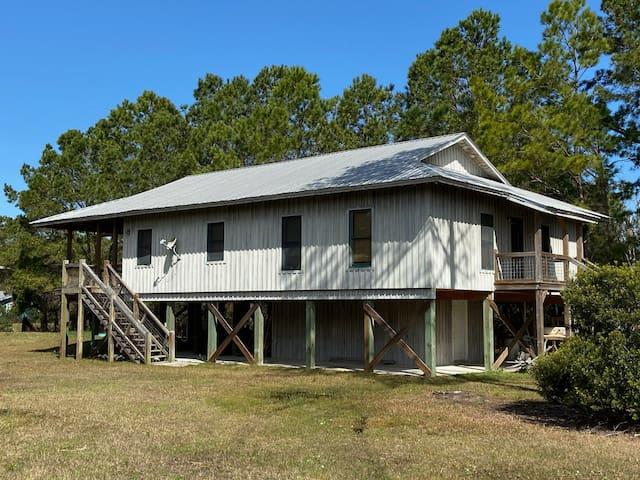 "Sapelo Island's ""Eagle's Nest Lodge"""