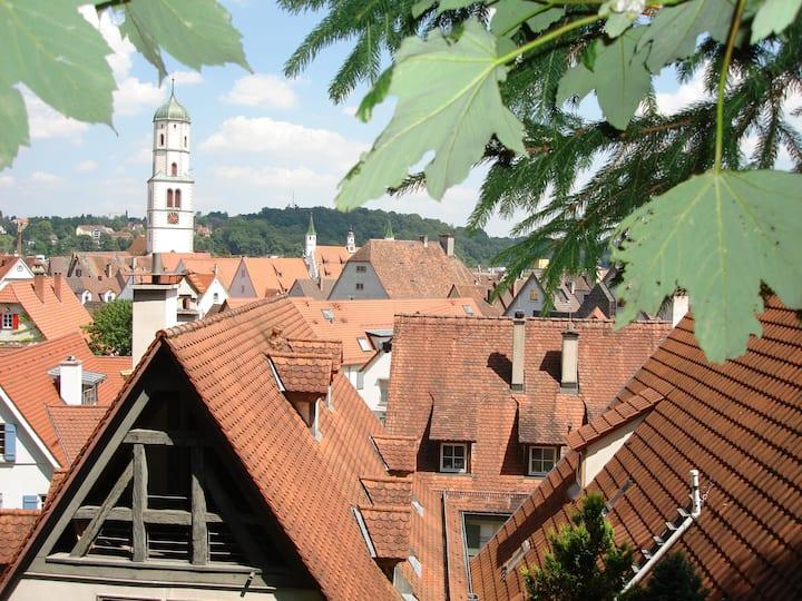 Schöne Dachwohnung & Altstadt-Blick