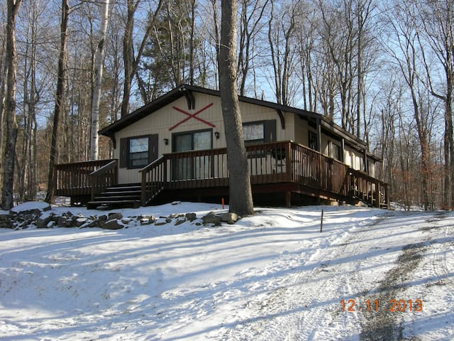 Cozy Vermont Chalet Near Winter Fun March Specials - Winhall - Haus
