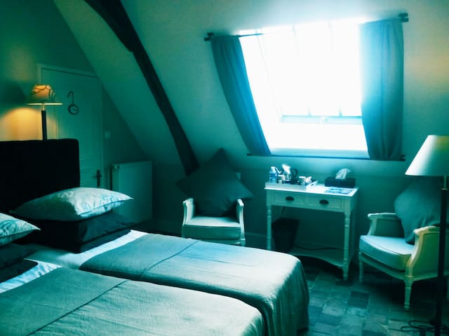 LE PRESBYTERE - Chambre Lit twin - Loches - Bed & Breakfast