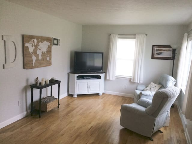 In the heart of Portage -  2 bedroom, 1 bath home - Portage - House