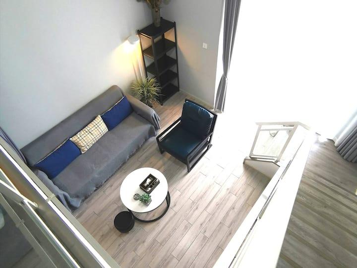 告庄loft工业风/泰国乳胶床垫/免费接机/江景房