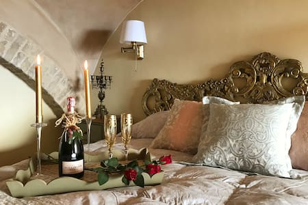Palazzo Scarsini Apartment - Romance with Style! - Petritoli - Apartmen