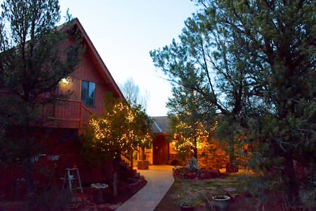 The Roost 2.5 bdrm oasis in amazingSedona forestry - Sedona - Appartement