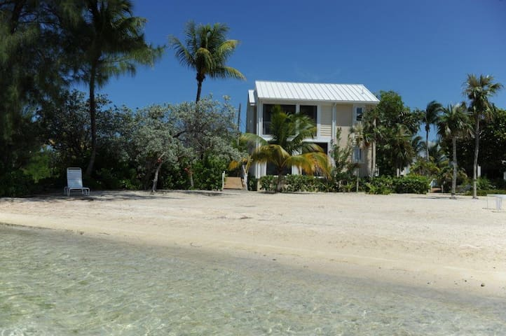 Three Little Birds - 2+ bedroom - Rum Point - House