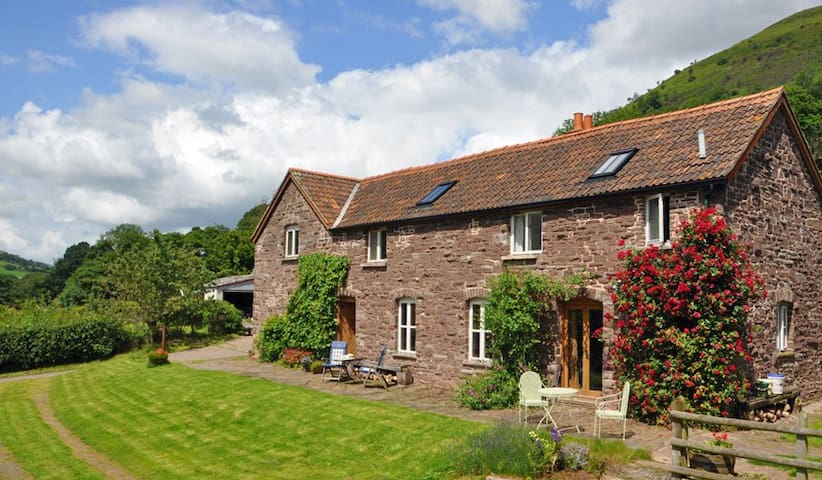 Oak Cottage, Llanthony. - Abergavenny