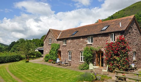 Oak Cottage, Llanthony.