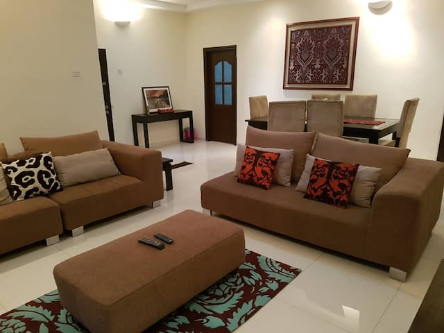 Exquisite 3 bedroom apt by 4 Point Hotel VI, Lagos