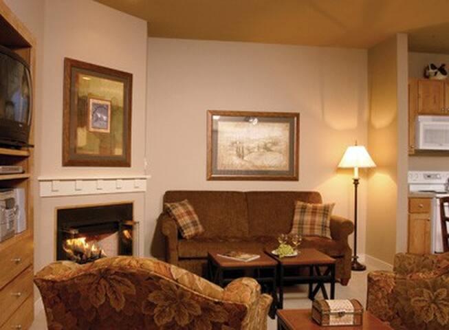 California (N)-Windsor Resort 1 Bdrm Condo #2