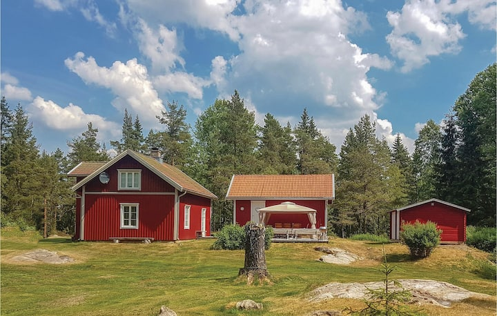 Beautiful home in Bengtsfors with WiFi and 4 Bedrooms