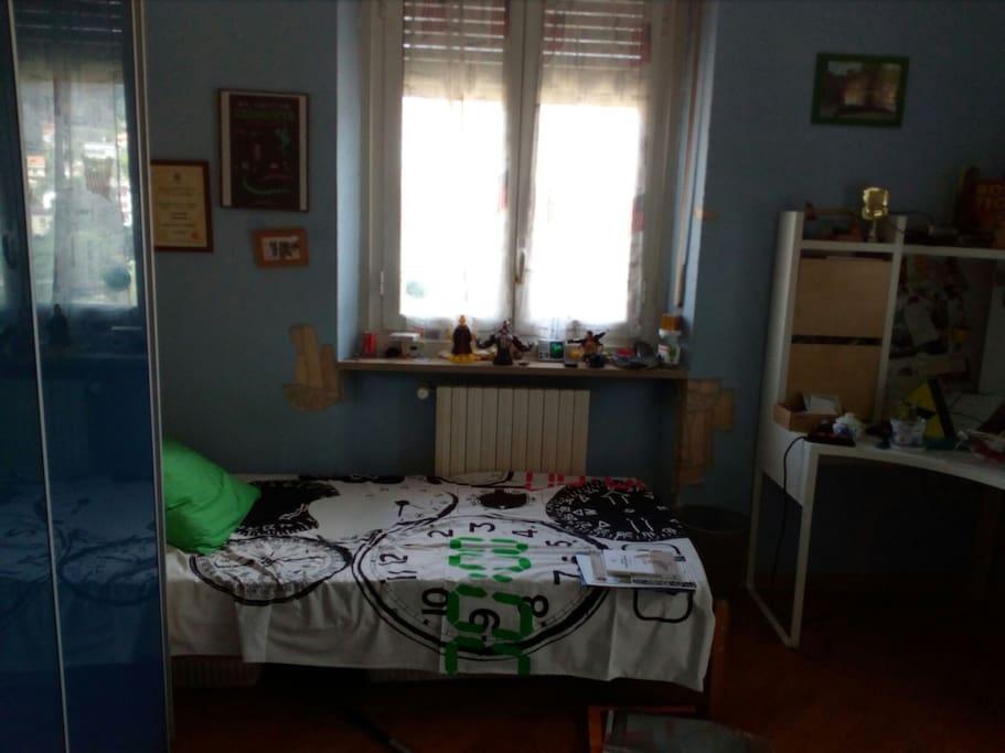 la stanza con due letti singoli