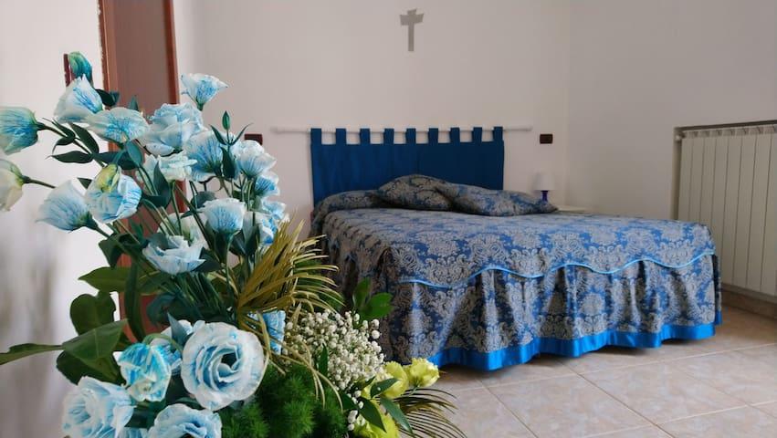 Blue Room! a 4 minuti dai luoghi di Padre Pio