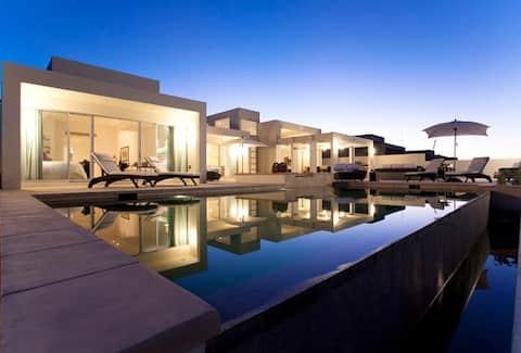 ¡Impresionante e idílica villa en la playa!