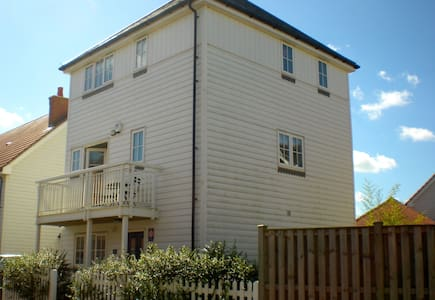 3 bedroom home with playroom, enclosed garden and garage
