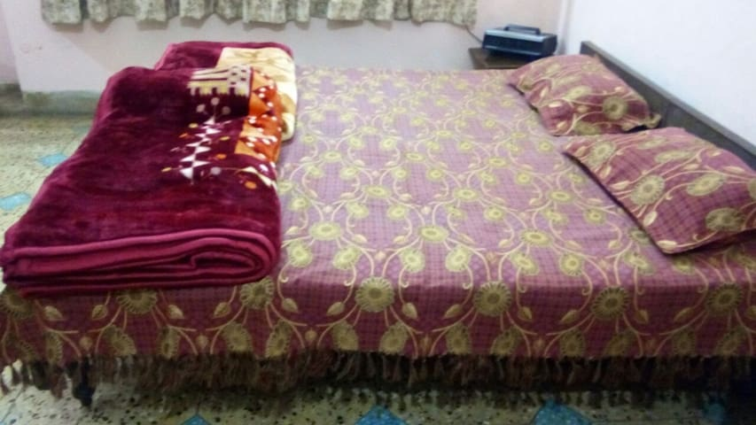 Homestay, Big Spacious Comfortable rooms. - Lucknow - Dům