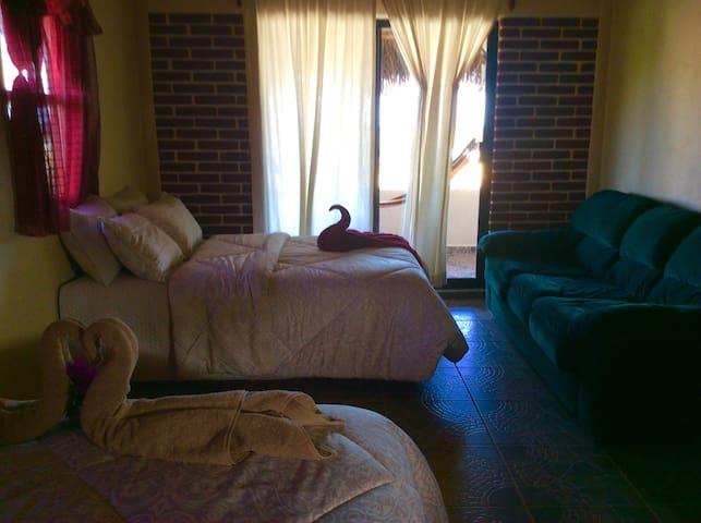 Tito's Inn - Cabo Pulmo - Bed & Breakfast