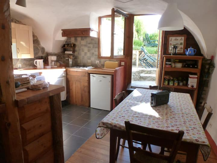 appartement 45 m² dans maison de village