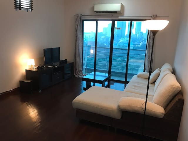 Simplistic Private Bedroom 10 mins from Central KL