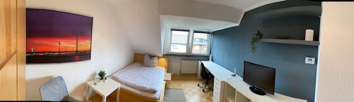 Stylisches Zimmer in 2-Raum WG in Düsseldorf-Bilk