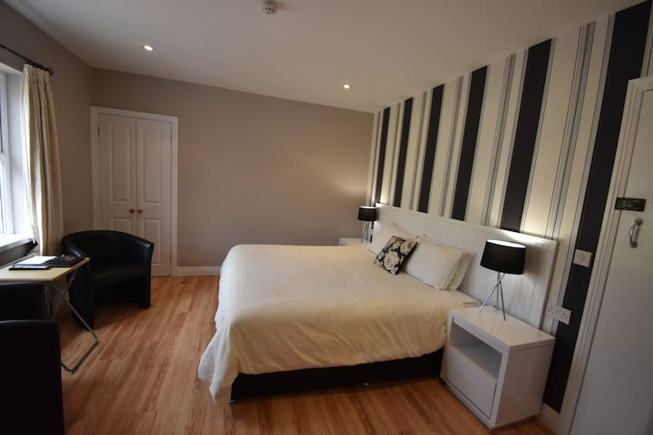 Aaranmore Lodge Large Superking or Twin Room