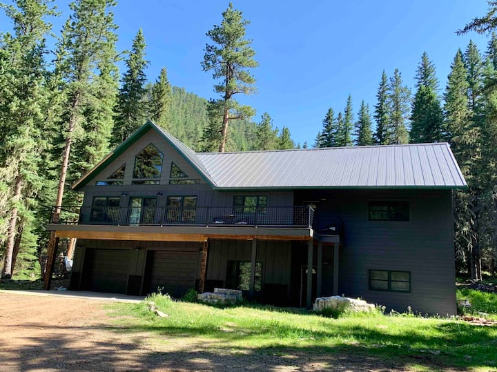 Sweet Betsy Gulch Lodge in Spearfish Canyon