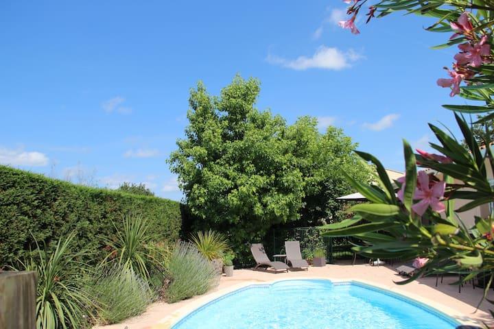 Petit studio-Espace chaleureux avec jardin - Pessac