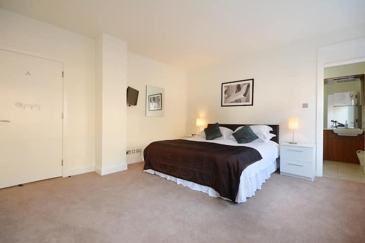 King size room in south east London.