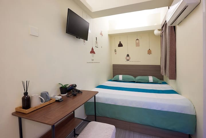 Double Bed for 2 person only ( R9 )
