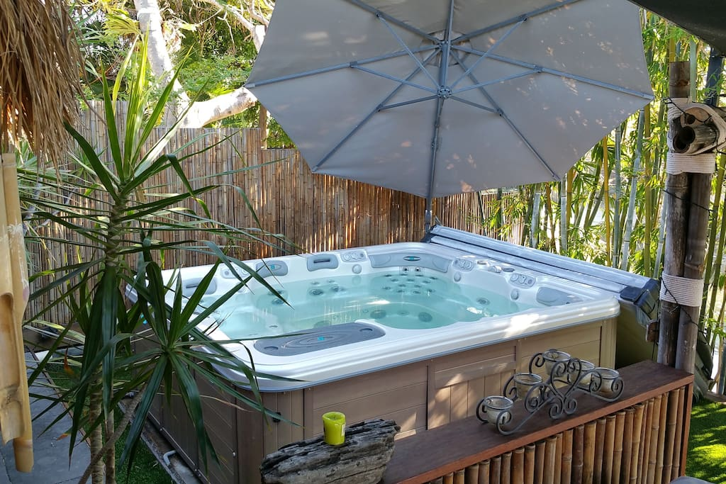 Outdoor 7 seater spa.