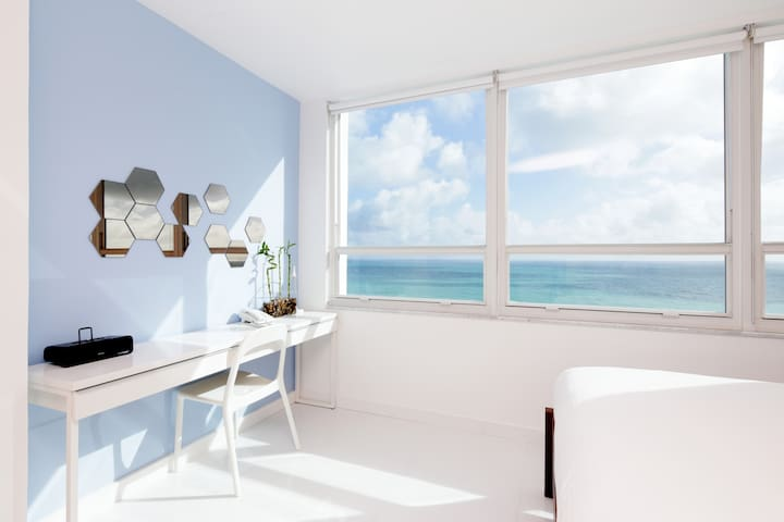 Oceanfront 16th Floor Brand New Beachfront Flat - Miami Beach - Apartment